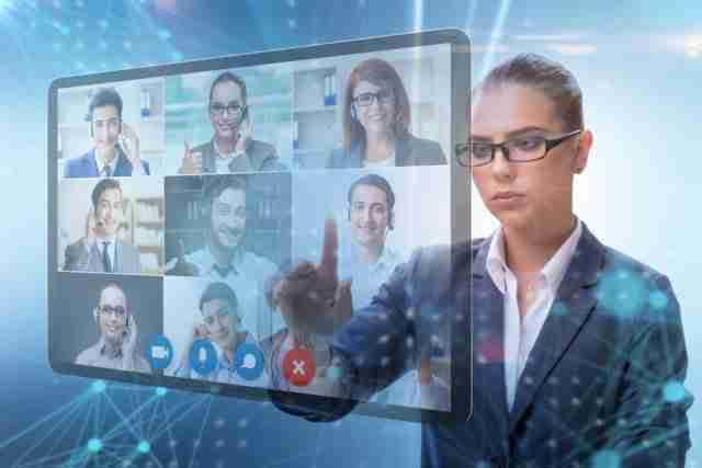 Female Virtual Coordinator using virtual Zoom window